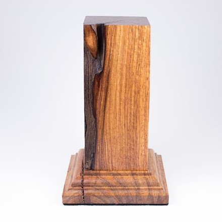 Square plinth with foot. Kosso wood. 1004