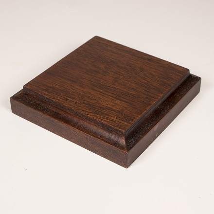 Square display base in african mahogany 1078