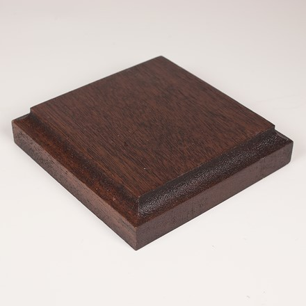 Square display base in african mahogany 1076